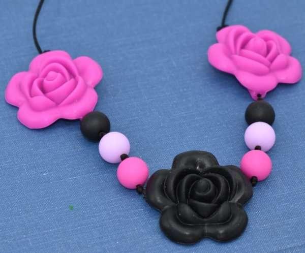 flower necklacee